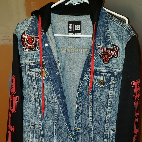 Mens Chicago bulls Hoodie Jean jacket by NBA. M 5b7c3c18c617777e2b4d675c 52cf0afe7